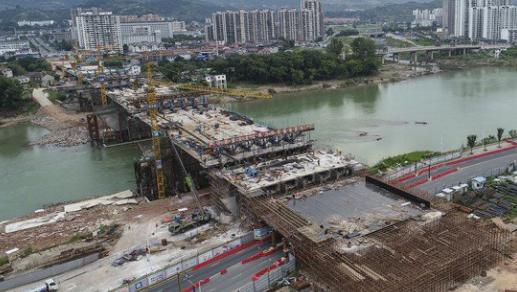 「重点项目巡礼」张家界红壁岩大桥箱梁主体完成70% 预计年底通车